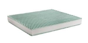 RUGIADA è un materasso dotato di ben 800 molle nella misura matrimoniale che vengono custodite in sacchetti di tessuto non tessuto..